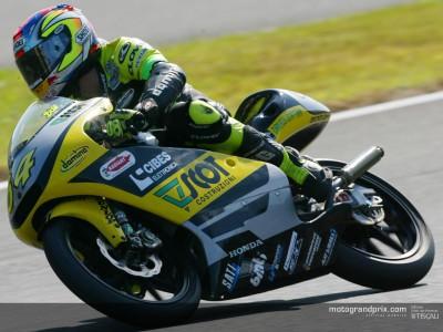 Dovizioso takes provisional pole in Motegi