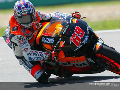 Nicky Hayden starting to show real promise as he nears the end of his first MotoGP term