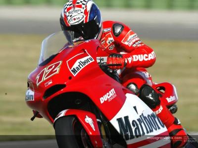 El último día de  test en Valencia cierra la acción  del MotoGP en 2003
