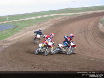McWilliams e Mamola si sono divertiti con il dirt track nel ranch californiano di Roberts