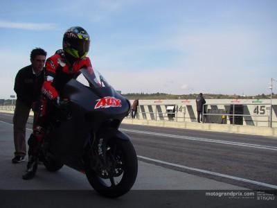 Sebastián Porto rueda a ritmo de pole en el test Aprilia de Valencia