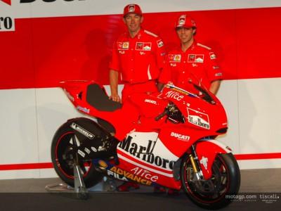 El equipo Ducati Marlboro presenta la Desmosedici GP4 en Bolonia