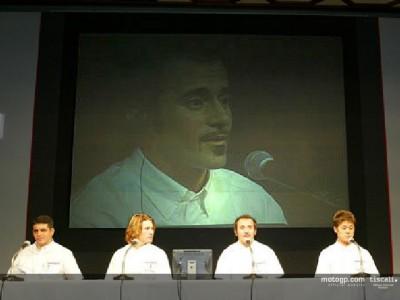 Max Biaggi comenta la presentación  oficial de Honda en Tokio