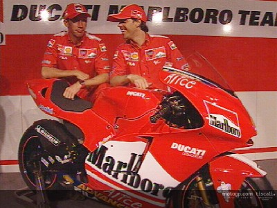 Capirossi and Bayliss look forward to their first test on the D16 GP4