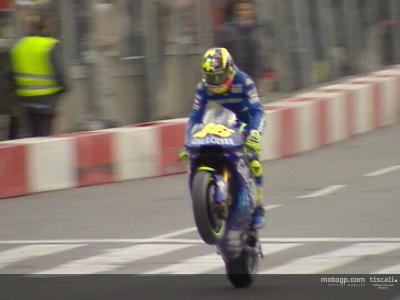 Fans turn out in their thousands to welcome Yamaha to Barcelona
