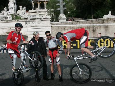 Biaggi participa en una campaña de seguridad vial