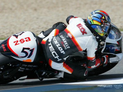 Porto smashes pole record and his Aprilia