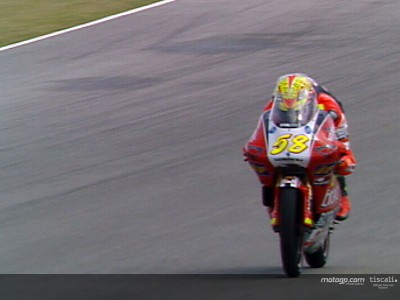 Rain hands first pole to Simoncelli