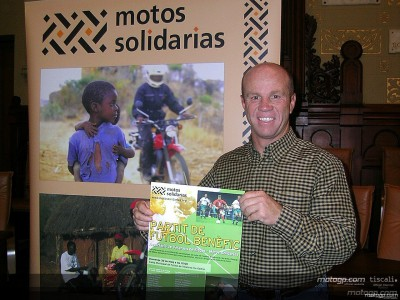 モトス・ソリダリアスがサッカーの親善試合を開催