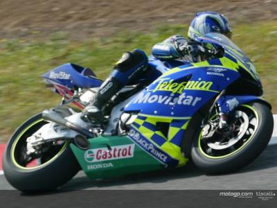 Gibernau leads Honda assault