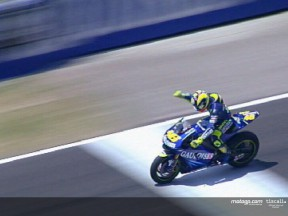 Rossi guasta la festa a Gibernau
