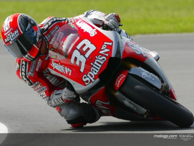 Melandri fighting through the pain barrier