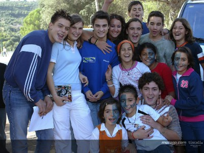 Pedrosa takes time out to visit orphanage