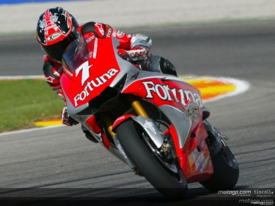 Checa joins Ducati for 2005