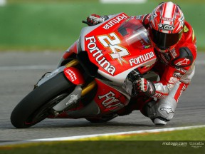 Elías and Edwards debut with Yamaha