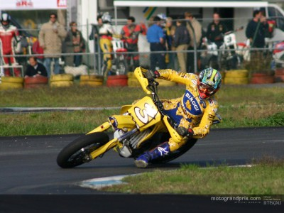 Biaggi breaks ankle in supermoto accident