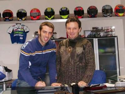 Melandri  firma con Gresini para 2005