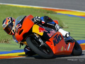 Simón impressed with KTM after first test