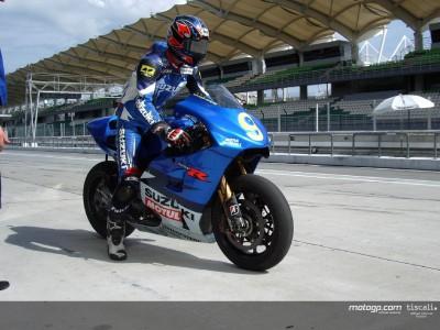 Suzuki et Yamaha en piste à Sepang