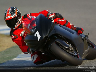 Checa smashes pole record at Jerez test
