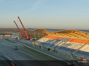 Structure in place for floating grandstand at Assen