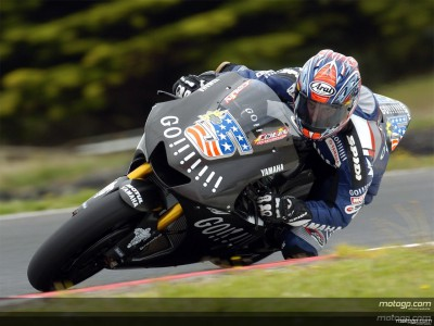 Yamaha resumes testing at rainy Phillip Island