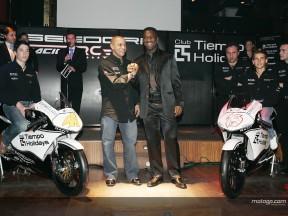 Clarence Seedorf e Roberto Carlos apresentam a sua equipa de 125cc