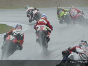 Jerez 2004: Rolfo takes dominant win in rain-plagued race