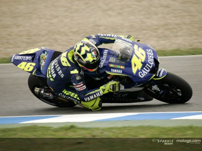 Rossi smashes pole record at Jerez