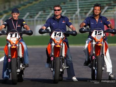 F1 stars go two-wheels