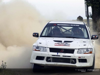 Crivillé lucks out in his rally debut