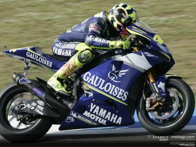 Rossi dominates the proceedings on home ground