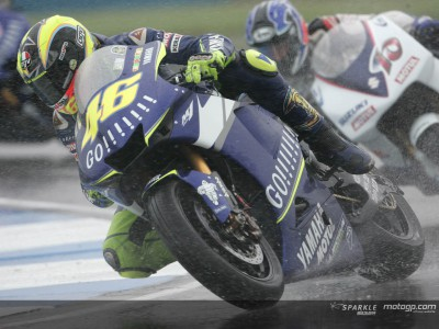 Rossi takes giant lead to Germany