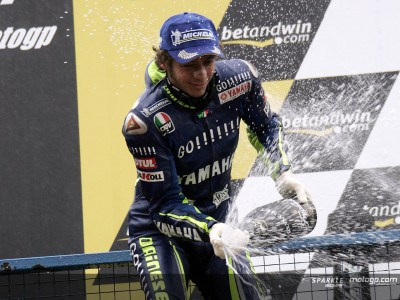 Rossi and Yamaha keep raising through all-time records