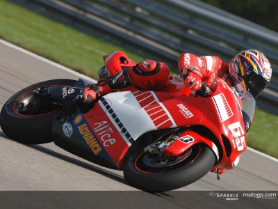 Capirossi hits the front before qualifying