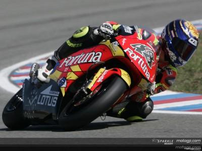 Lorenzo claims third pole of the season