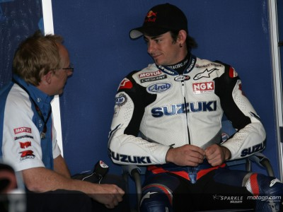 Hopkins signs new two-year deal with Suzuki