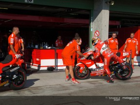 Ducati Marlboro si esercita nei pit stop