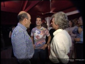 Los pilotos españoles asisten a una recepción del embajador en Malasia