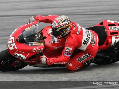 Capirossi takes second consecutive pole at Sepang