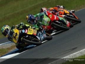 Phillip Island 2004: Dovizioso celebra el título con una vibrante victoria