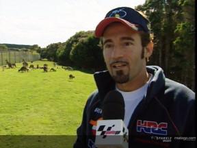 MotoGPライダー、動物園を訪問