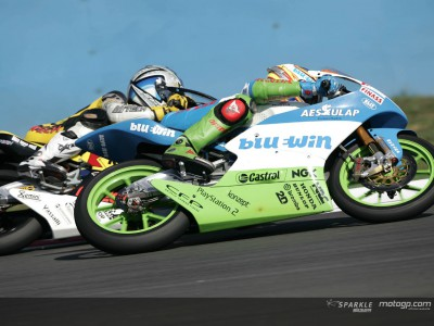 Lüthi closes on title dream