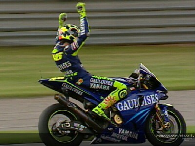 Valencia 2004: Rossi wins fitting final race