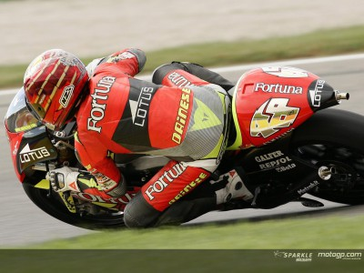Lorenzo and Barbera make Aprilia debut