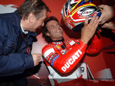 Capirossi auctions helmet for Clinica Mobile
