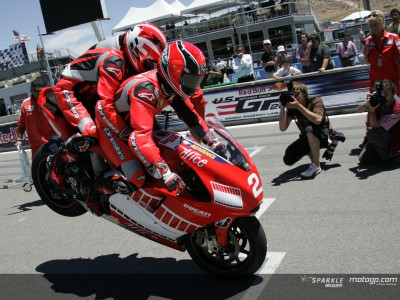 Ducati two seater: An intense experience