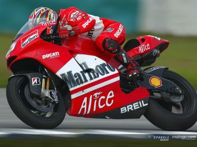 Los pilotos de Ducati prueban la Desmosedici GP06