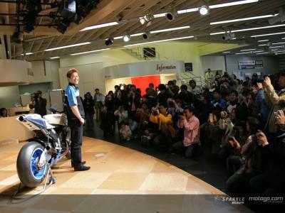 玉田誠、開幕前にファンから激励