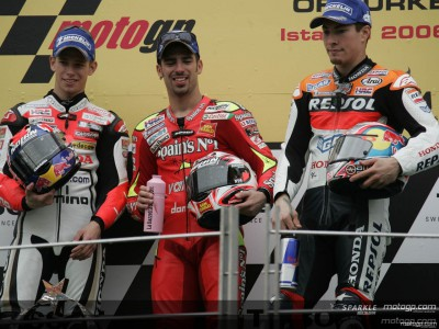 Melandri takes win on amazing day of MotoGP action